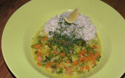Panchakarma-Rezept: Leiches Kokos Gemüse Curry mit Zitronenreis