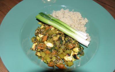 Panchakarma Rezept: Pikantes Gemüse mit gebratenen Nüssen und Samen und Couscous